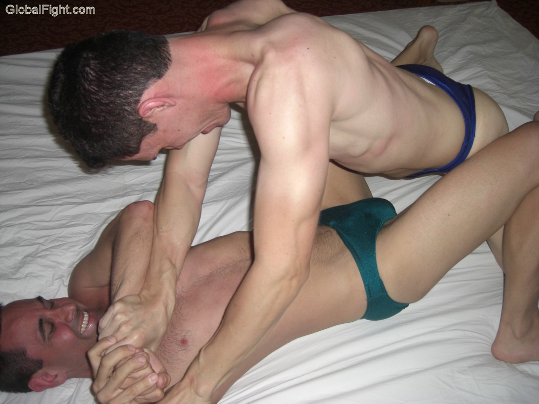 wrestling twinky boy twinks face straddling matches