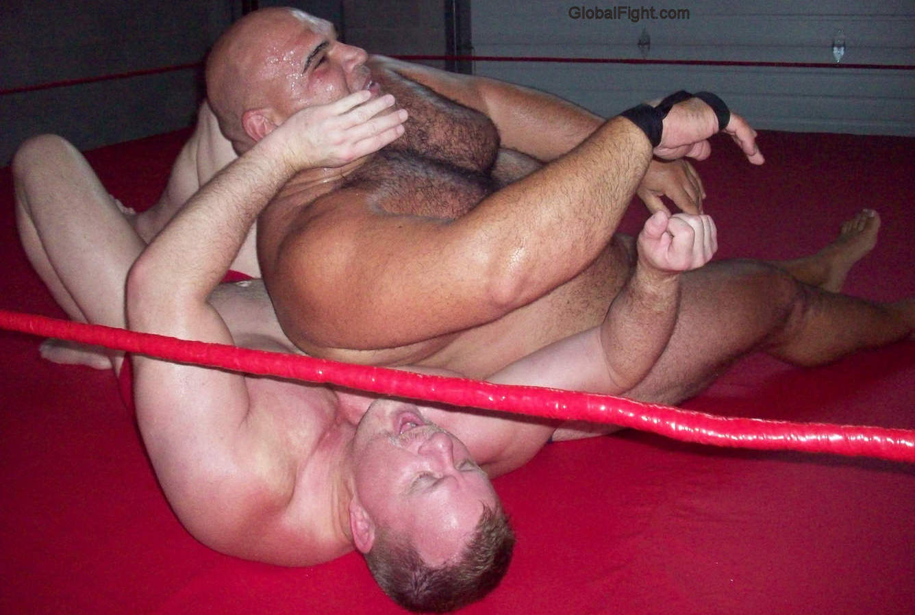 nude wrestlers musclebears stripping