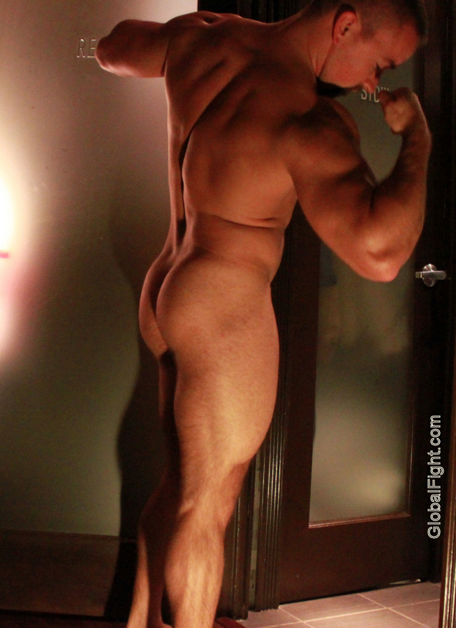 nude wrestlers naked muscleman