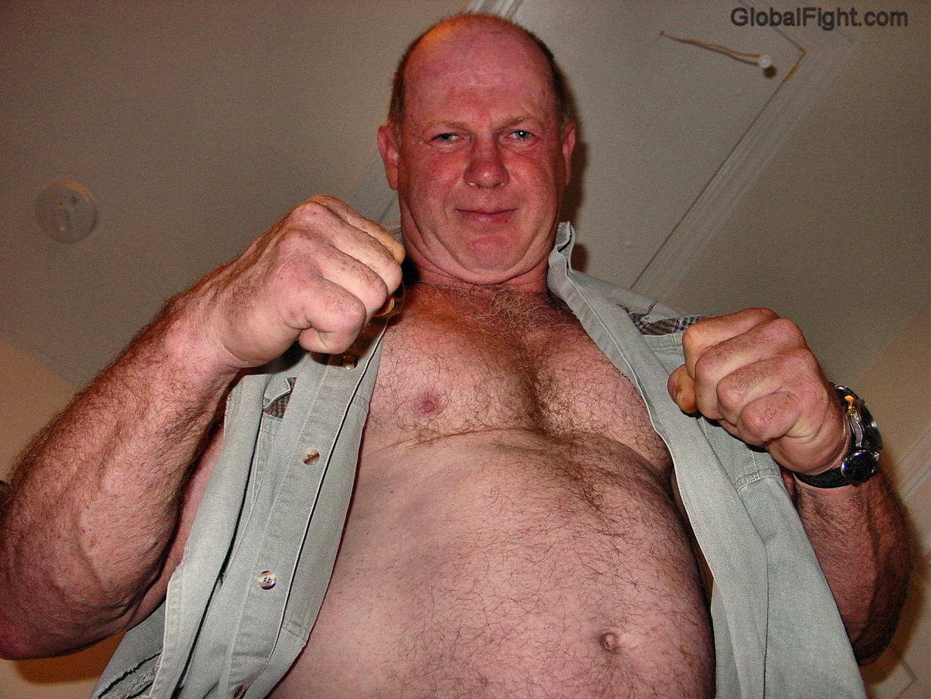 musclebear webcam cagefighter veteran